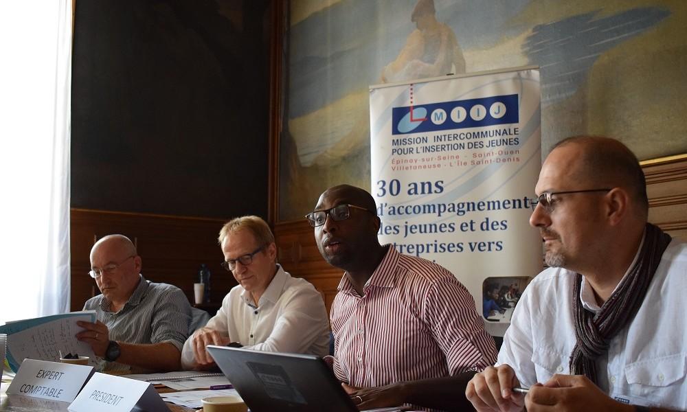 Mohamed Gnabaly Président de la MIIJ avec l'Expert Comptable, le Commissaire aux Comptes et le Directeur Adjoint